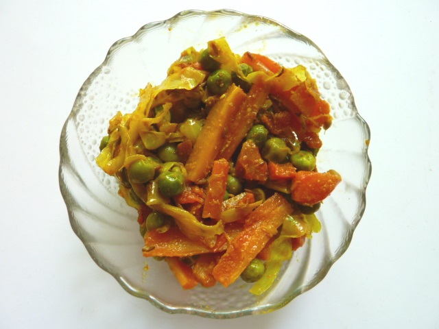 Indian Style Cabbage, Carrot and Peas